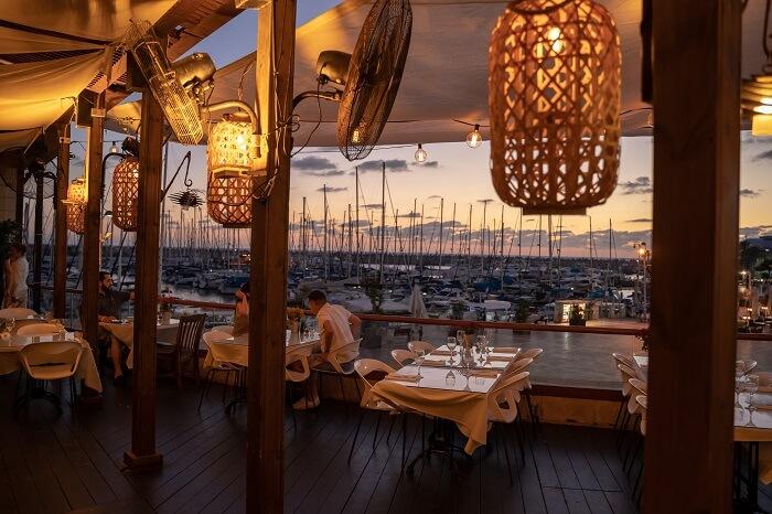 מסעדה עם אווירה טובה